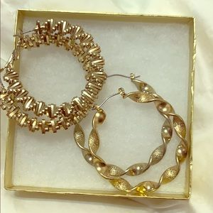 2 sets  gold twiSted hoops